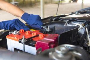 10 sencillos pasos para cambiar la batería de su automóvil