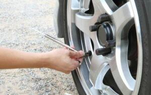 Cómo sacar aire de un neumático? Guía paso a paso