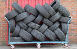 Por qué nunca debe comprar neumáticos usados